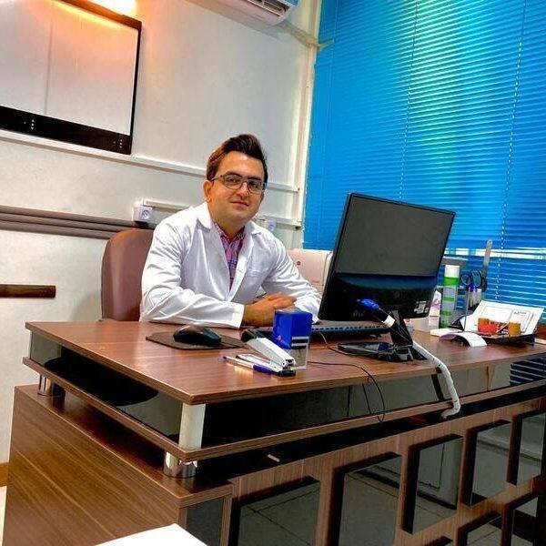 دکتر افشین یزدی متخصص رادیولوژی